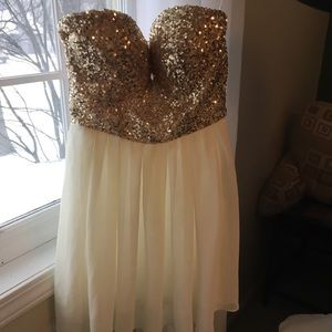 Strapless Dress from Windsor will fit XS or S
